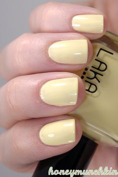 This pastel yellow is LAKA Acrylic Nails Yellow, Yellow Nail Polish, Pink Nail Art, Pastel Nails, Stiletto Nails Glitter, Summer Stiletto Nails, Nail Polish Designs, Acrylic Nail Designs, Yellow Nails Design
