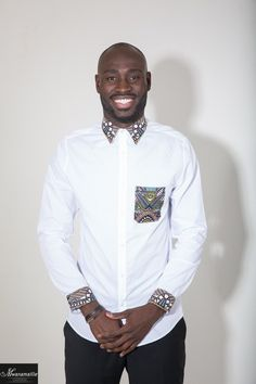 Chemise slim en wax et coton. African Clothing For Men, African Shirts, African Print Dresses, African Print Fashion, Africa Fashion, African Dress, Fashion Prints, African Lace, African Fabric