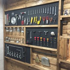 📌 Over 50 ideas for organizing garages for a great garage . - Hobby Werkstatt - 📌 Over 50 ideas for organizing garages for a great garage layout ensure comfortable working 39 # - Garage Workshop Organization, Garage Tool Storage, Workshop Storage, Garage Tools, Shed Storage, Diy Storage, Home Organization, Workbench Organization, Garage Ideas