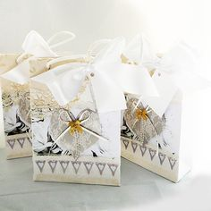 Ideal as a wedding gift bag Shabby Chic Bunting, Paper Carrier Bags, Rose Background, White Rope, Wedding Gift Bags, Lace Heart, Unique Cards, Antique Lace, Shabby Chic Style