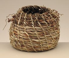 Zoe Rimmer, Coiled basket, 2007  Bruny island  dodder vine (Cuscuta sp.), red-hot  poker (Kniphofia sp.), white flag iris (Diplarrena moraea) Courtesy TMAG