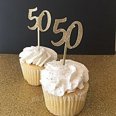 Celebrate Adult Milestone Birthdays With Jaclyn Peters' Premium Boutique Party Supplies And Decorations. Moms 50th Birthday, 70th Birthday Parties, 50th Party, Birthday Celebration, Birthday Ideas, Gold Party, Birthday Cupcakes, Birthday Fun, 50th Wedding Anniversary