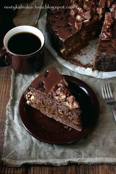 rustic kitchen - cooking at home: Snickers Cake Just Desserts, Delicious Desserts, Yummy Food, Chocolates, Yummy Treats, Sweet Treats, Snickers Cake, Cake Recipes, Dessert Recipes