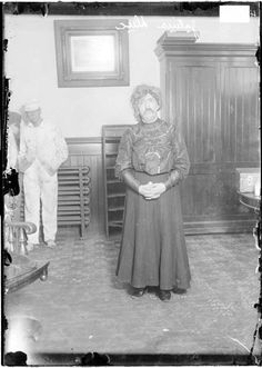 Julius Duc, arrested for dressing as a woman, 1906, Chicago