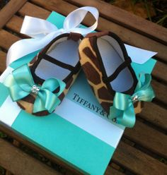 Tiffany & Co Inspired Giraffe Infant Crib Shoes by RockkandyKids. I want to get these for my cousin's baby so bad, omg.