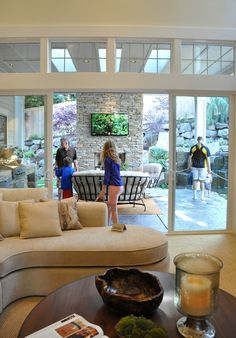 Isabella & Max Rooms: Oh, Which House Would You Pick? All just beautiful but the patio outdoor living space on this one is awesome. Indoor Outdoor Living, Outdoor Rooms, Outdoor Fire, Kitchen Family Rooms, Room Kitchen, Interior Exterior, Interior Doors, Design Case, Patio Doors