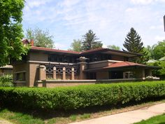 Map of walking tour of Grand Rapids, Michigan Historic Homes.  Pictured is the Meyer-May House - designed by Frank Lloyd Wright.