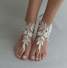 If you want to find very comfortable wedding shoes you have two top choices, one is to wear cowgirl wedding boots (as many of our readers choose). However, cowgirl boots aren't for everyone, even i… Barefoot Sandals Wedding, Bridal Sandals, Bridal Shoes, Barefoot Beach, Barefoot Shoes, Bridesmaid Sandals, Bridesmaid Gifts, Converse Wedding Shoes, Designer Wedding Shoes