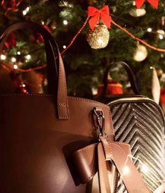 🤩Prețuri surprinzătoare🤩 în prag de sărbătoare!🥳 La Mulți Ani!✨ Un AN NOU cu stil!✨ #jolize #leatherbag #jolizestyle #bags #jolizeaccessories #sales Bags, Fashion, Purses, Moda, Fashion Styles, Taschen, Totes, Hand Bags, Fashion Illustrations