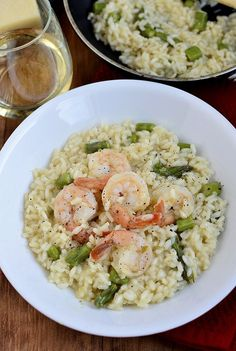 Did it - easy & yummy - Simple Shrimp and Asparagus Risotto // Iowa Girl Eats Seafood Dishes, Pasta Dishes, Seafood Recipes, Dinner Recipes, Cooking Recipes, Healthy Recipes, Risotto Dishes, Delicious Recipes, Shrimp And Asparagus