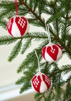 Christmas Bells, Christmas Baubles, All Things Christmas, Christmas Home, Christmas Stockings, Christmas Decorations, Holiday Crafts, Holiday Decor, Christmas Accessories