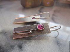 Купить серебряные серьги Красный лён - фуксия, серьги серебряные, серьги с рубином, в стиле минимализм