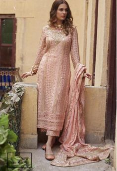 Lehenga Choli, Pakistani Salwar Kameez, Churidar, Pakistani Dresses, Indian Dresses, Indian Outfits, Indowestern Lehenga, Sharara, Shalwar Kameez