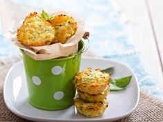 "guardians-of-the-food: ""Whole 30 Airfryer Breakfast Muffins Delicious breakfast muffins loaded with spare vegetables and perfect for a quick start to the day without having to reach for the high carb. Zucchini Muffins, Vegetable Muffins, Zucchini Tots, Savory Muffins, Mini Muffins, Breakfast Muffins, Breakfast Recipes, Recipe Zucchini, Healthy Zucchini"