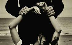 Ο έρωτας είναι για τους τολμηρούς Holding Hands