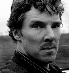 Benedict Cumberbatch with scruff?!  *swoon*