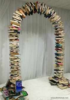 How to Make a Book Arch How to Make a Book Arch Book Arch Instructions How to Make a Book Arch Book Arch Instructions Book Arch, Library Inspiration, Library Ideas, Library Work, Class Library, Future Library, School Library Displays, High School Libraries, School Library Themes