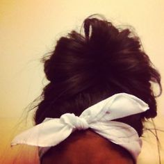Big buns. Scarf Hairstyles, Pretty Hairstyles, Simple Hairstyles, Braided Hairstyles, Coiffure Hair, Hair Updo, Hair Buns, Swag Style, Style Hair