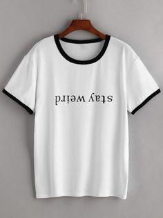 Weißes T-Shirt mit Buchstaben