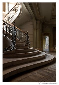 abandoned castle staircase - who just abandons such places? What nvm i'll just move in