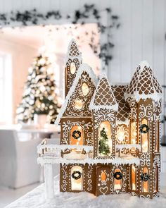 How to Make Exceptional Homemade Eggnog We've rounded up the very best gingerbread house ideas—from cozy, snowy cottages to magical winter wonderlands—the internet has to offer. Cool Gingerbread Houses, Gingerbread House Designs, Christmas Gingerbread House, Noel Christmas, Merry Little Christmas, Winter Christmas, Christmas Crafts, Xmas, Gingerbread House Decorating Ideas