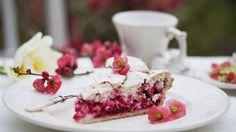 Leckerer Mürbteig mit fruchtiger Füllung: Kuchen mit Johannisbeeren | http://eatsmarter.de/rezepte/kuchen-mit-johannisbeeren