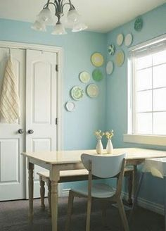 WAll color I want to do a plate wall in our next dining room!I need to get on the ball. I also love how light & sunny this room is. Galley Wall, Hanging Plates, Deco Design, Booth Design, Vintage Farmhouse, Interiores Design, House Tours, Home Kitchens, Kitchen Decor