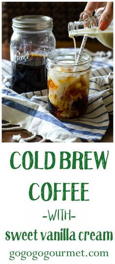 If you haven't tried cold brew coffee yet, you've got to get on this trend! You won't believe how easy this Starbucks Copycat is. Cold Brew Coffee with Sweet Vanilla Cream Go Go Go Gourmet Starbucks Sweet Cream, Starbucks Vanilla, Cold Brew Coffee Recipe Starbucks, Diy Cold Brew Coffee, Starbucks Pumpkin, Smoothie Drinks, Smoothies, Smoothie Recipes, Cold Brew Kaffee