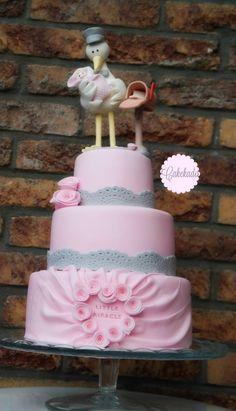 Babyshower pink, grey stork cake