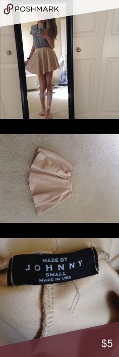 Nude miniskirt Super cute nude skirt guaranteed to go with anything casual, or formal. Used only once, very good condition. Skirts Circle & Skater