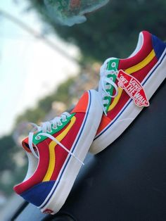 22 Vans Shoes To Wear Today - chaussure shoes Today vans Wear 606297168567334997 Look Patches, Sock Shoes, Shoe Boots, Heeled Boots, Outfit Online, Dream Shoes, Shoe Closet, Custom Shoes, Custom Made Vans