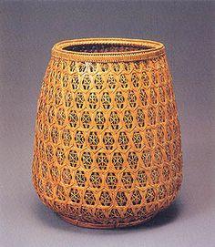 Flower basket - Interlocking Net weave. MAEDA Chikubosai  33rd EXHIBITION OF JAPANESE TRADITIONAL ART CRAFTS 1986