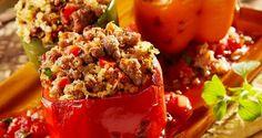 Peperoni ripieni con salsiccia I peperoni possiamo trovarli sul mercato di vari colori, gialli, ros...