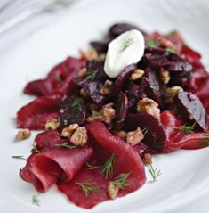 Xanthe Clay's Beetroot-stained smoked salmon with beetroot and walnuts - Love Beetroot UK Scandinavian Food, Scandinavian Christmas, Christmas Eve Dinner, Walnut Recipes, Healthy Weeknight Meals, Salmon Dishes, Smoked Salmon, Beetroot, Easy Snacks