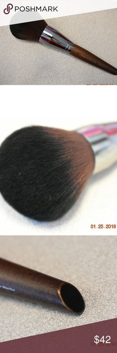 Makeup forever 130 Large Powder Brush Makeup forever 130 Large Powder Brush  - Brand new and authentic - Unboxed comes in plastic sleeve with brush guard  So big and fluffy and soft!!!!! Makeup Forever Makeup Brushes & Tools