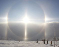 Sun Dog in the Czech Mountains Multimedia, Sun Dogs, Ice Crystals, Sky Photos, Earth From Space, Amazing Pics, Winter Solstice, Science And Nature, Planet Earth