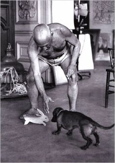 Lump tuvo durante un tiempo en su estómago una obra de Picasso. Un conejo que hizo con una caja de cartón y que posteriormente se comió el perro ya que la caja era de dulces y tenía restos de azúcar.