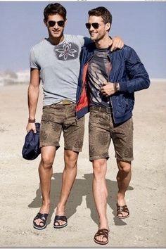 Gladiator Sandals For Men, Leather Sandals, Boy Fashion, Mens Fashion, Fashion Models, Barefoot Men, Mens Flip Flops, Sandals Outfit, Boys Wear