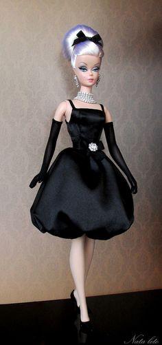 little black dress. Vintage Barbie Clothes, Doll Clothes, Fashion Royalty Dolls, Fashion Dolls, Barbie Mode, Play Barbie, Beautiful Barbie Dolls, Chic Chic, Barbie Patterns