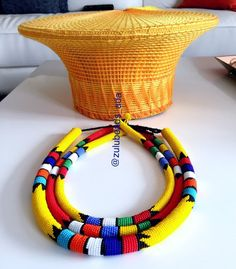 Medium and large Zulu basket hat African Beads Necklace, Beaded Necklace Patterns, African Jewelry, Pedi Traditional Attire, Zulu Traditional Wedding, African Hats, African Women, African Dress, South African Tribes