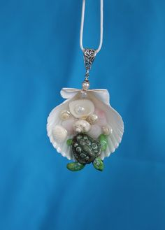 Sea Turtle Sculpted polymer Pendant necklace in Sea by Luxembears