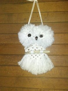 My first macrame project, Orvil Owl