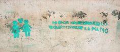 """""""Mi amor sin resguardos te quiero llevar de la mano"""". Stencil en San Miguel de Tucumán, Argentina."""