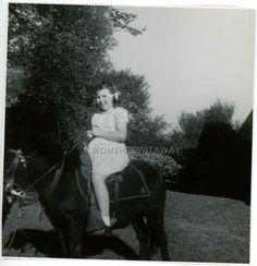 1940s-Photo-Chubby-Little-Girl-Jan-Mathews-Shetland-Pony-Kansas-City-Missouri-2