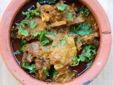 Peshawari Karahi Gosht is a dish from the eastern states of Pakistan full of spices and masala. It goes well with naan or rice. Learn here how to make Peshawari Karahi Gosht.