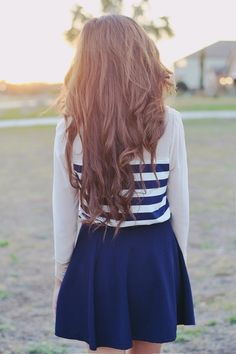 white half striped sweater, blue skirt = color coordination