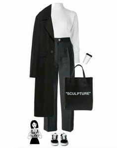 Minimalist Fashion - My Minimalist Living Mode Ootd, Mode Hijab, Look Fashion, Korean Fashion, Fashion Outfits, Normcore Fashion, Vetements Shoes, Stylish Outfits, Fall Outfits