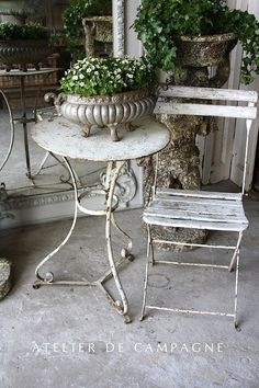 #21/124 White Bistro Table DIY Shabby Chic Project Ideas Project Difficulty: Simple www.MaritimeVintage.com     #Shabby Chic #Shabby #Chic #ShabbyChic #Decor
