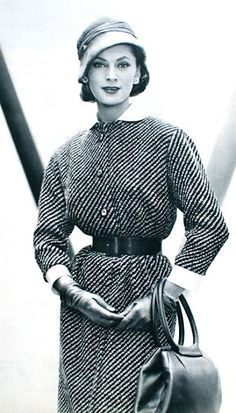 Actualité Couture Automne 1957  Dress Roger Jeanclaude, hat Jean Barthet,  bag Durer, photo Guy Arsac