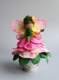 Цветочная феечка из фоамирана. Больше цветов на сайте ЦВЕТЫ-ФОАМИРАН.РФ